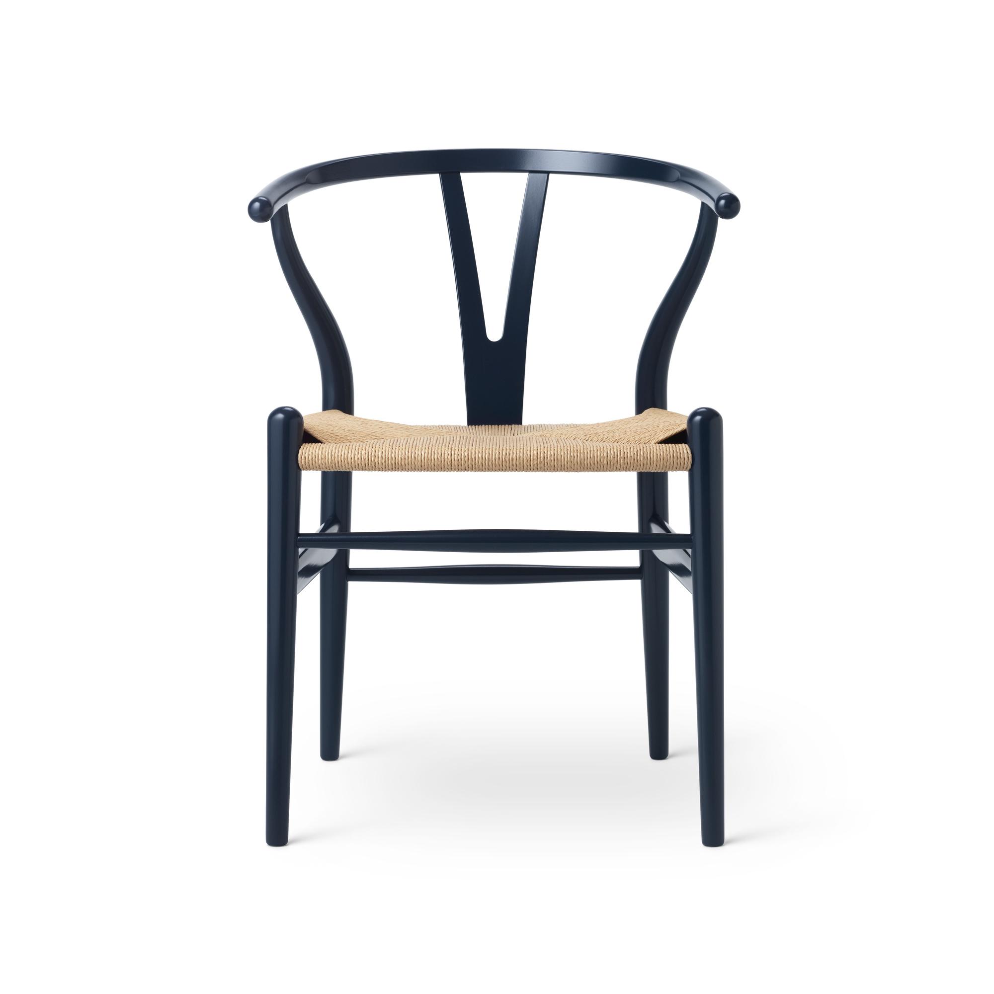 CH24 Wishbone Chair Russet & Blues or Harmony ChaiseCarl Hansen& Søn