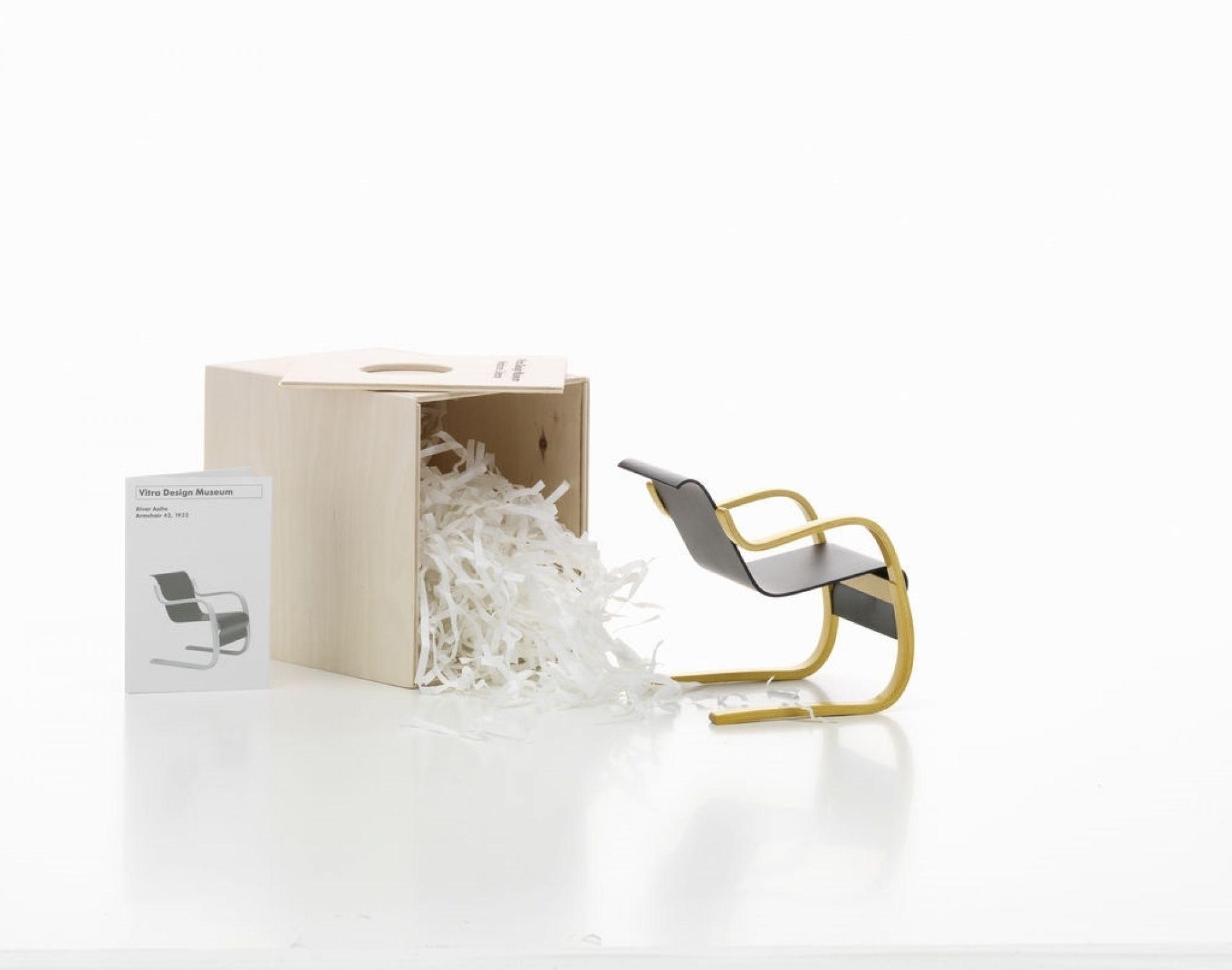 Armchair Nr.42 Miniatur Fauteuil Vitra